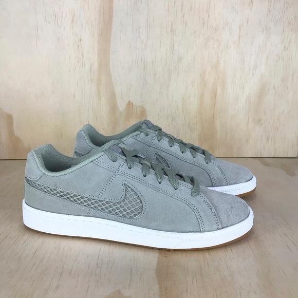 Nike Shoes - NEW Nike Court Borough Royal Premium